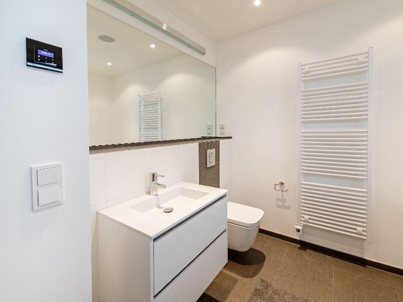 Rauchmelder badezimmer cheap unsere badezimmer with for Designradios badezimmer